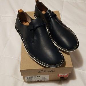 Clark's navy blue shoes M8/W10